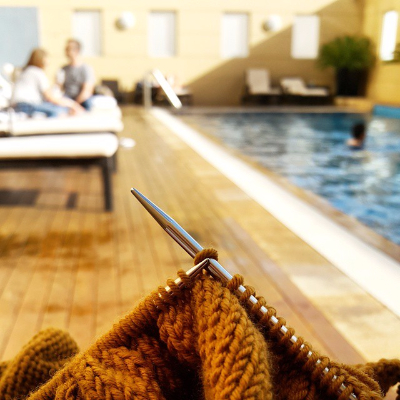Swissotel pool Knit-340